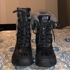 UGG Women Adirondack II Boots: Black / Grey